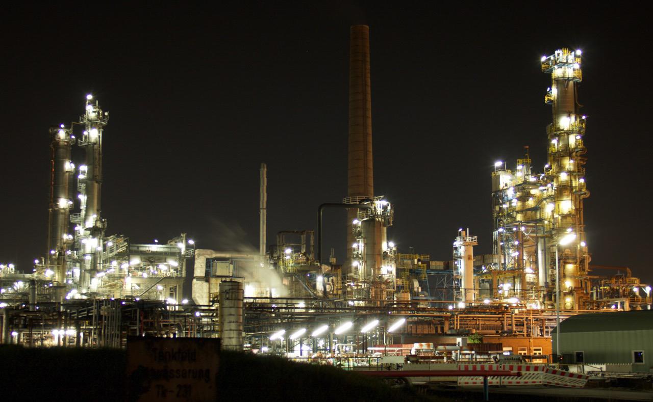 Holborn-refinery (6)